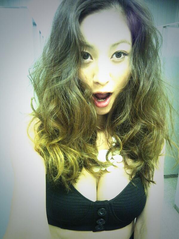 モデルの西山茉希