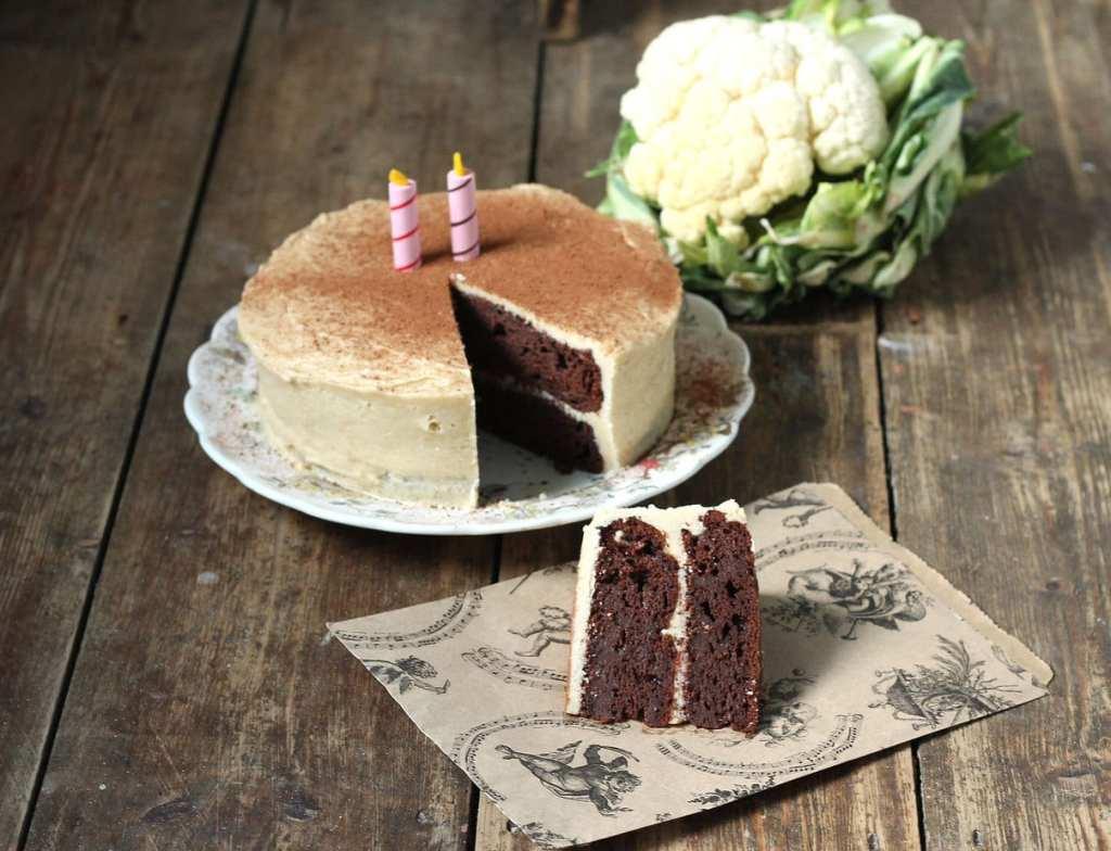Chocolate Cauliflower Cake | Veggie Desserts Blog