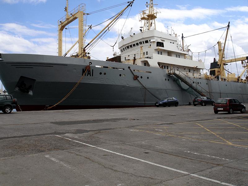 Ships / Skip