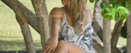 Ronda Rousey faz ensaio nua apenas com pintura corporal