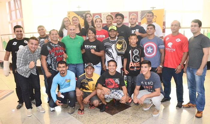 Gladiator Fight 3 - assinatura dos contratos - foto 1 - by Emanuel Mendes Siqueira