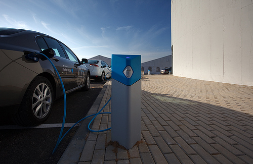 Image (1) betterplace-electric-car-charging-toyota-prius-charger.jpg for post 258625