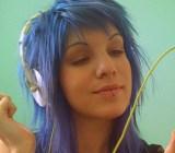 iphone-blue-hair-girl