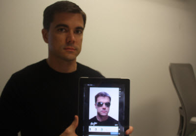 Jonathan Coon shows off the Glasses.com app