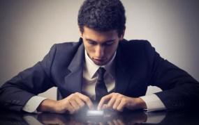 ss-businessman-using-phone