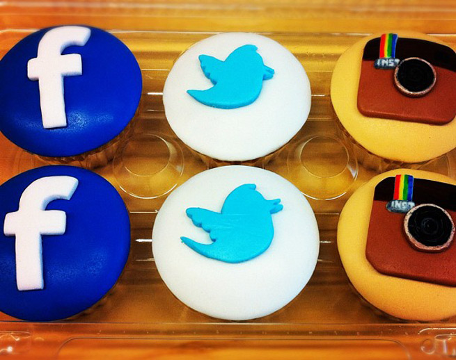 Facebook, Twitter, and Instagram cupcakes