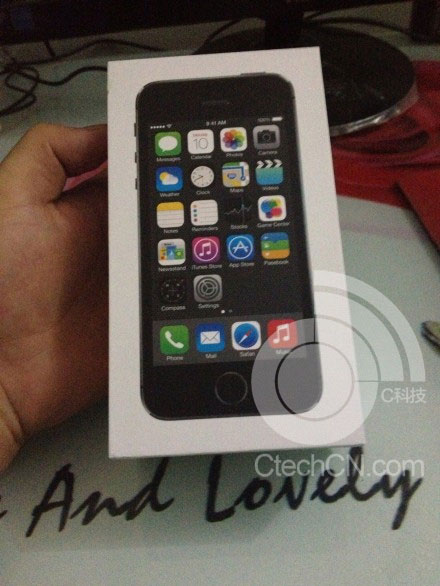 iphone 5s early box 2