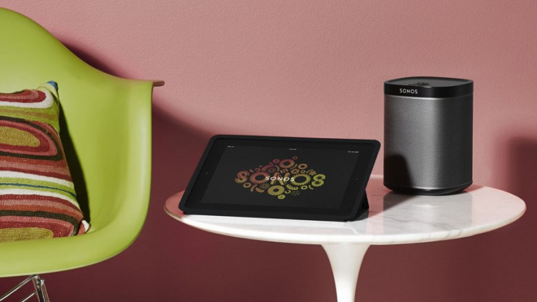 Sonos Play:1 next to a tablet