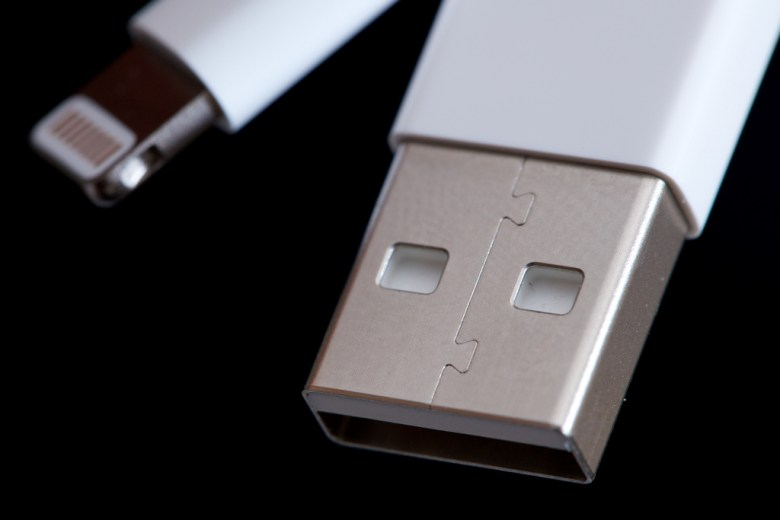 Apple's Lightning connector (left) compared to the large USB cable (right)