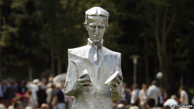 Nicola Tesla Statue