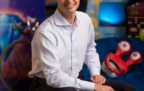 John Vechey, cofounder of PopCap, is its new chief.