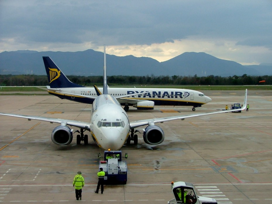A Ryanair flight at Girona Airport