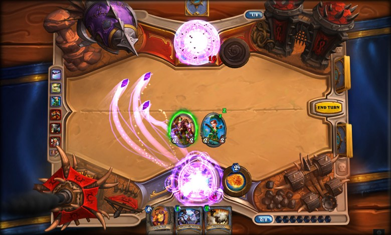 A duel in Hearthstone: Heroes of Warcraft