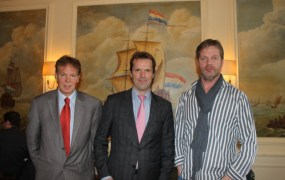 Jan Dexel, B. Leeftink, and Reinout te Brake want the Dutch to make games.