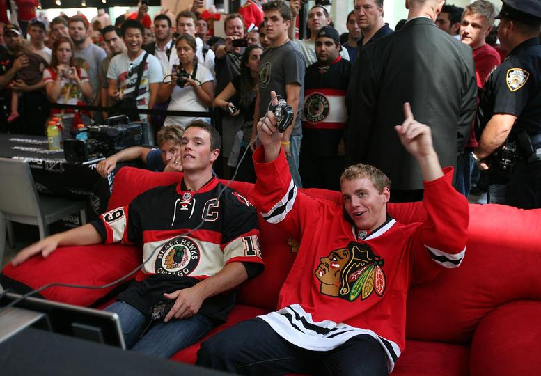 Team Canada's Jonathan Toews plays the United States's Patrick Kane in NHL 14.