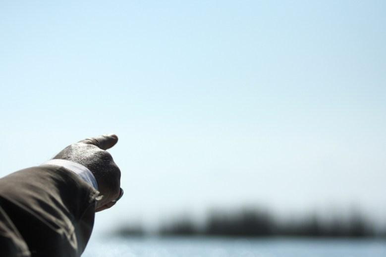 finger pointing hapal Flickr