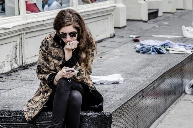 Woman phone Michele Ursino FLickr