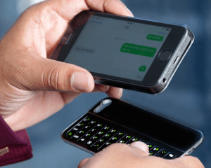 The Magneti bluetooth iPhone keyboard