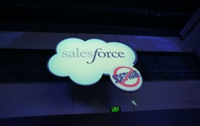 Salesforce sign Seesmic com Flickr