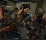 Joel fights a hunter in The Last of Us Remastered.