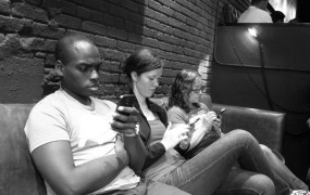 Smartphone couch Beth Jusino Flickr