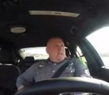 "Delaware cop lip-syncs ""Shake It Off"""
