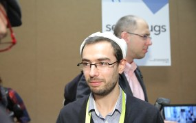 MyBrain Technologies co-founder Thibaud Dumas wearing the melomind relaxation headgear.