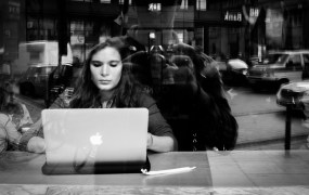 gerrit.photography.woman with laptop