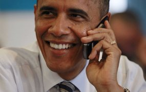 obama-cell-phone-7