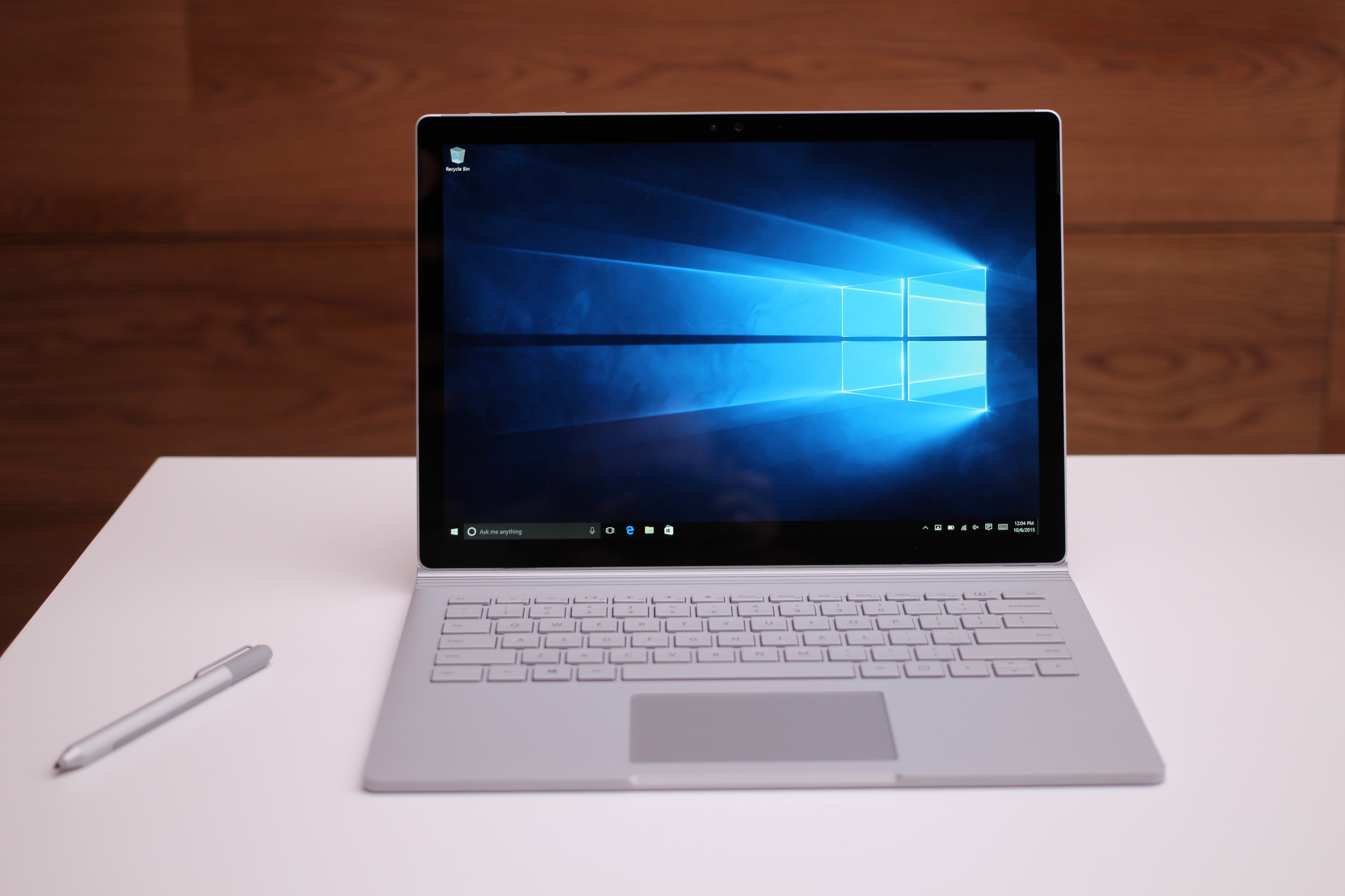 hands on with microsoft 39 s surface pro 4 and surface book venturebeat mobile by emil. Black Bedroom Furniture Sets. Home Design Ideas