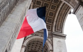 French Flag - Arc de Triomphe
