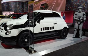 fiat-500e-stormtrooper-custom-electric-car-shown-at-2015-los-angeles-auto-show_100536812_l