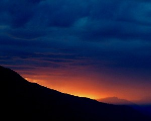 stormy-mountain_sunset