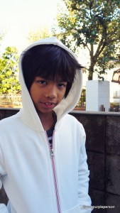Boy&#8217;s white hoodie (McCall&#8217;s 6158)