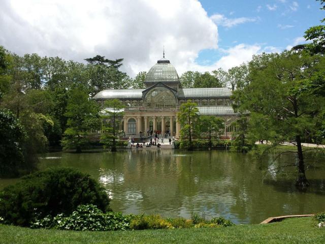 Viajando sozinho pela Europa_jardim_Viajando bem e barato
