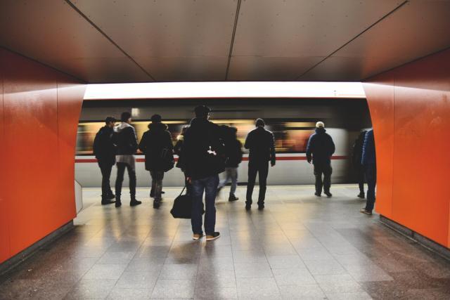 melhor forma de transporte pela Europa_station_Viajando bem e barato