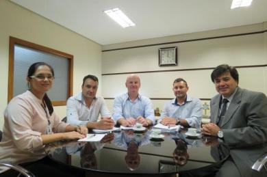 Prefeito Alflen discutiu repasses às entidades no IGAN em Porto Alegre