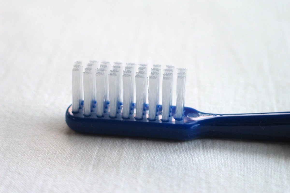 Toothbrush_20050716_004