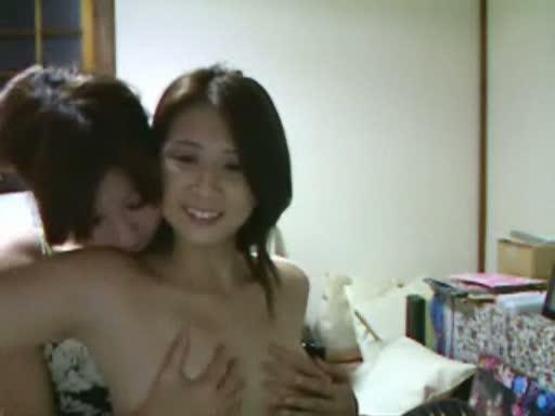 【ライブチャット 母】オナニーH無料動画。マジか…(汗)実の母娘がライブチャットで親子丼オナニー-(fc2動画)