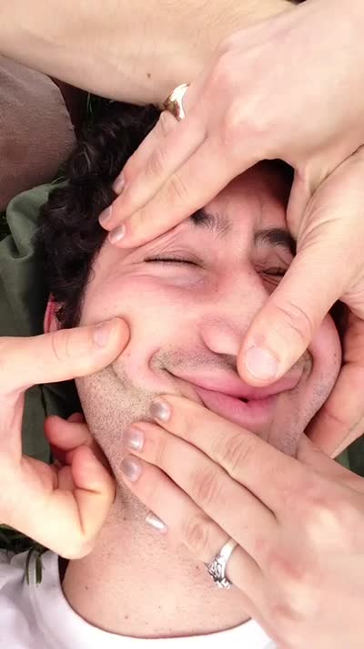 Leo Face Rolf