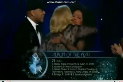 adele-wins-album-of-the-year-2012-grammys
