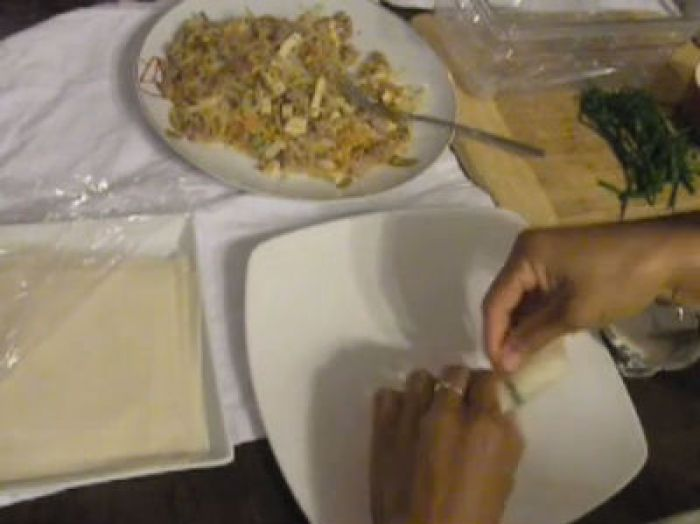 Wrapping Spring rolls