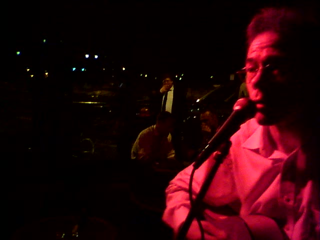 Brad Spurgeon makes a mess of unchained melody at the Galway Pub in Paris