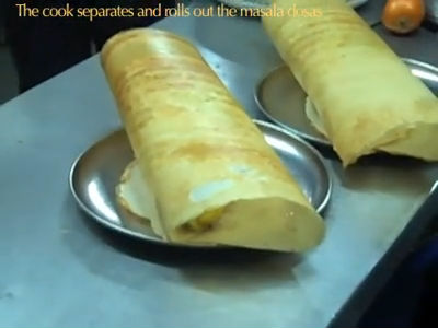 Making Dosas at Kamats, Mumbai