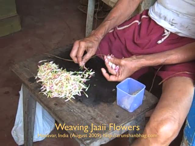 Weaving Jaaii Phool