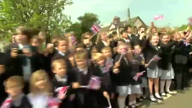 Olympic-Torch-Relay-Week-9-Highlights-London-2012[www.savevid.com]