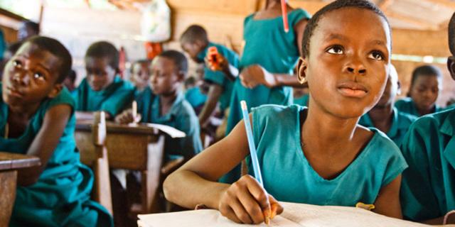 """""""Giáo dục không phải là đặc ân của Chính phủ"""""""