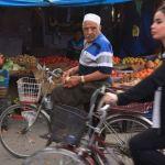 Câu chuyện về cô gái Iraq và hủ tục cấm phụ nữ đi xe đạp