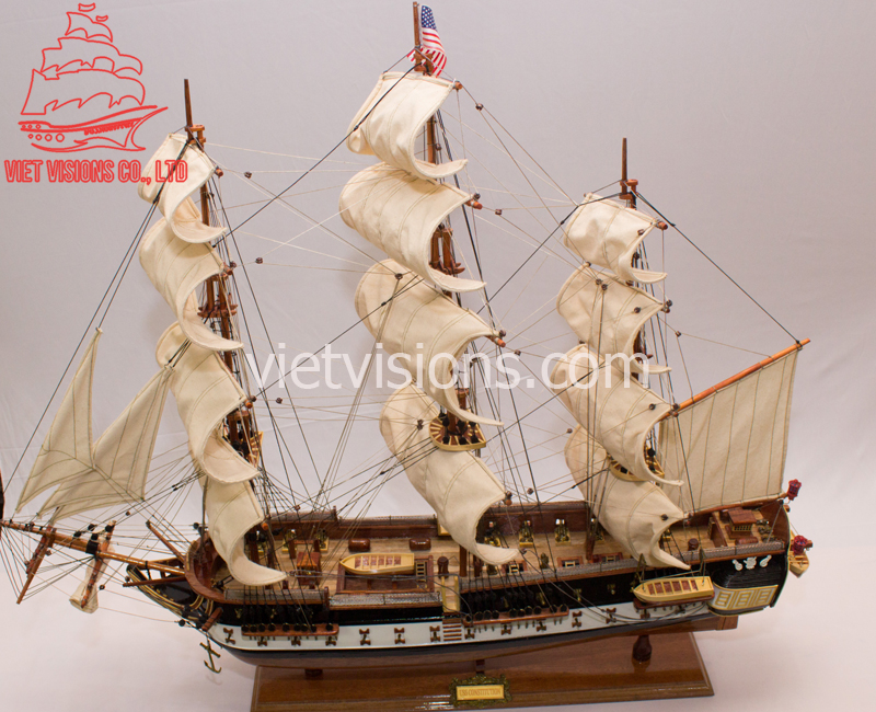 Thuyen-go-mo-hinh-USS -Constitution (1)