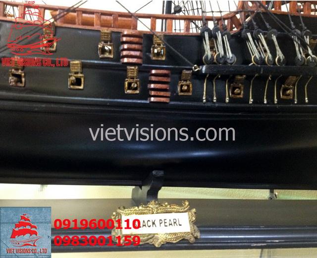 thuyen-go-mo-hinh-Black-Pearl-cuop-bien-Caribe-vietvisions